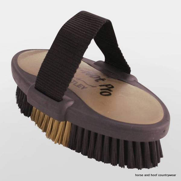 Bentley Slip Not Hoof Brush Pink At Burnhills: Slip-Not Body Brush